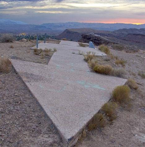 Mysterious Concrete Arrows Airmail 1