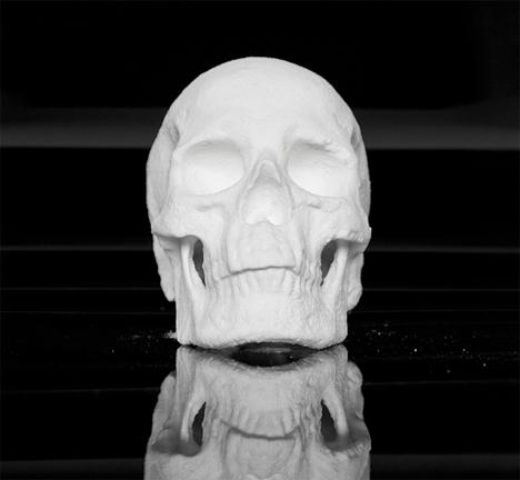 Cocaine skull sculpture 1