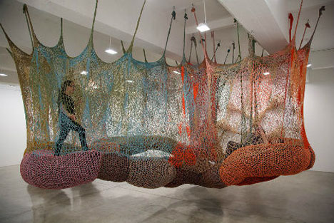 Crochet Playscapes Ernesto Neto 1