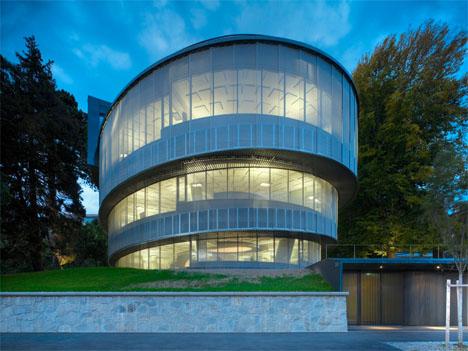 Spiral architecture 12 swirling building bridge designs for Architecture suisse