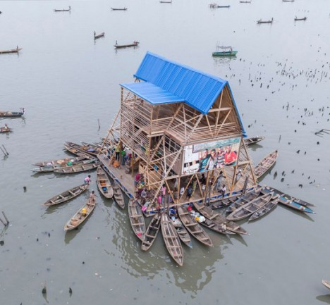floating school in contexts