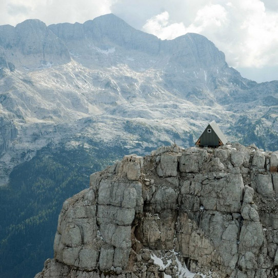 Tent On Side Of Mountain : Mountaintop tent airlifted alpine retreat built at
