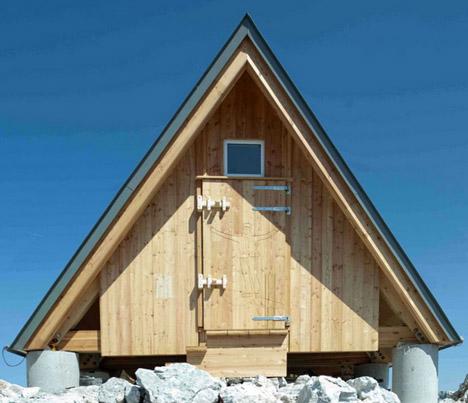 mountain cabin entry side