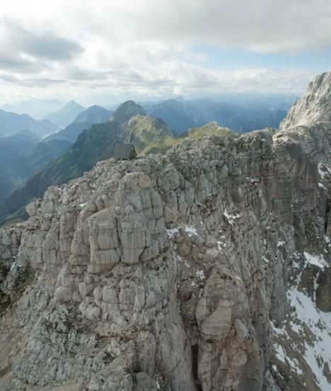 mountain retreat edge