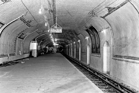 paris historical metro photo