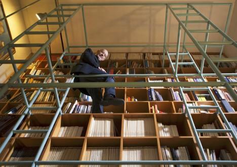bellini bookcase scaffolding scene