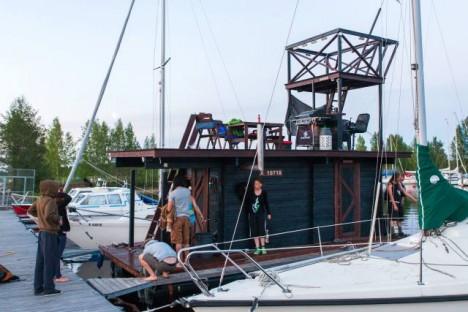 floating sauna docked port