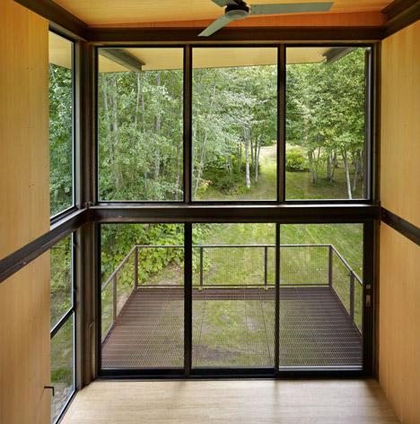 raised cabin windows deck