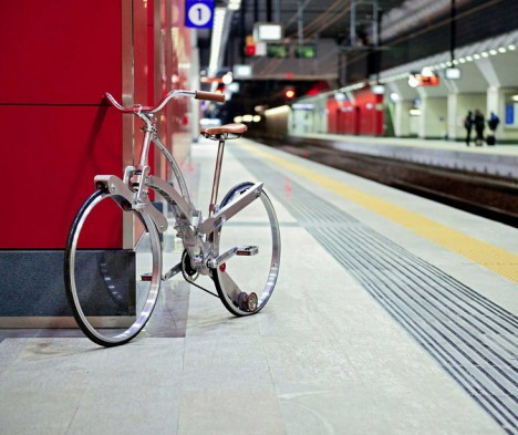 folding bike subway shot