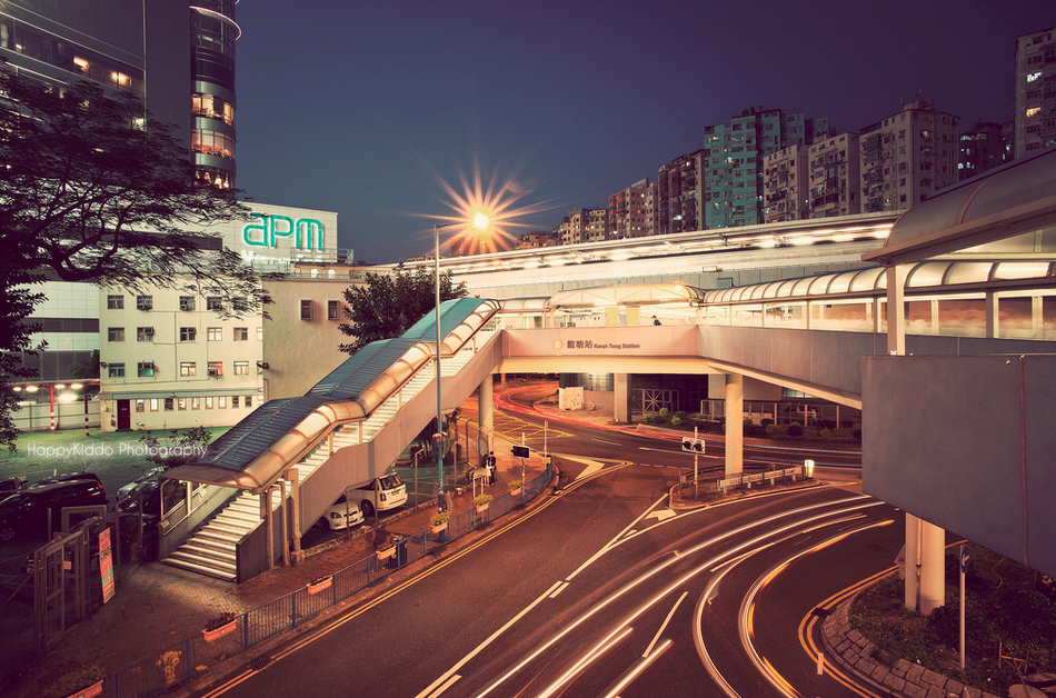 hong kong elevated walkway
