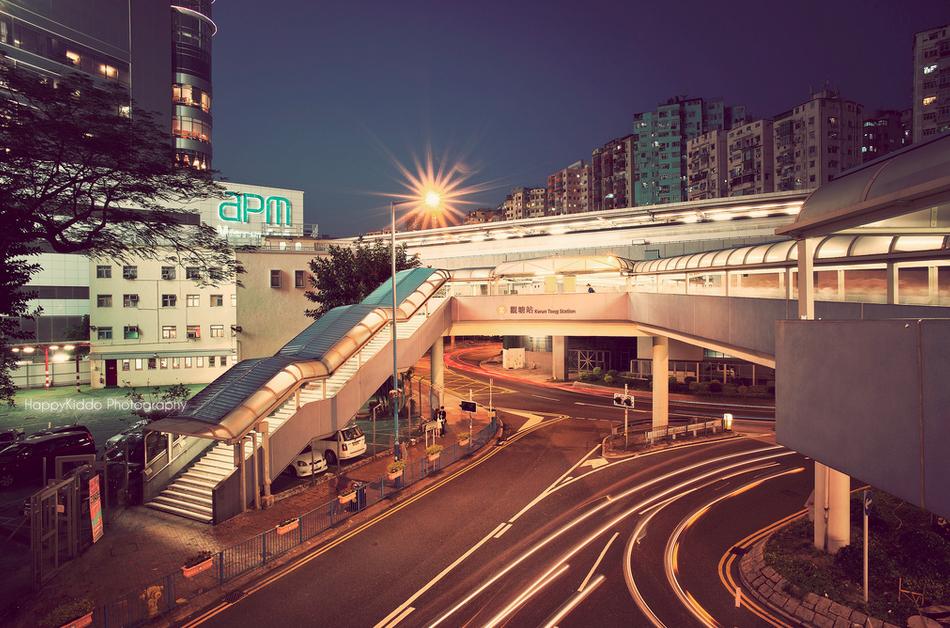 hong kong elevated walkway
