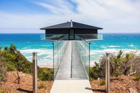 Hanging Homes Beachside Pole 1