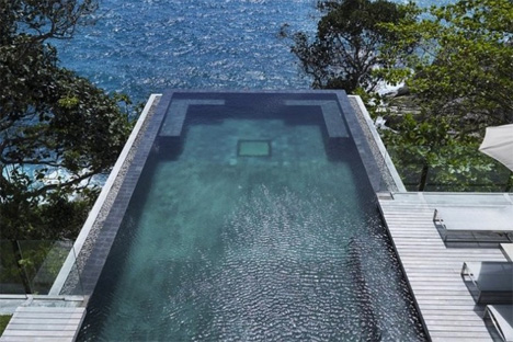Hanging Homes Cantilevered Infinity Pool 2