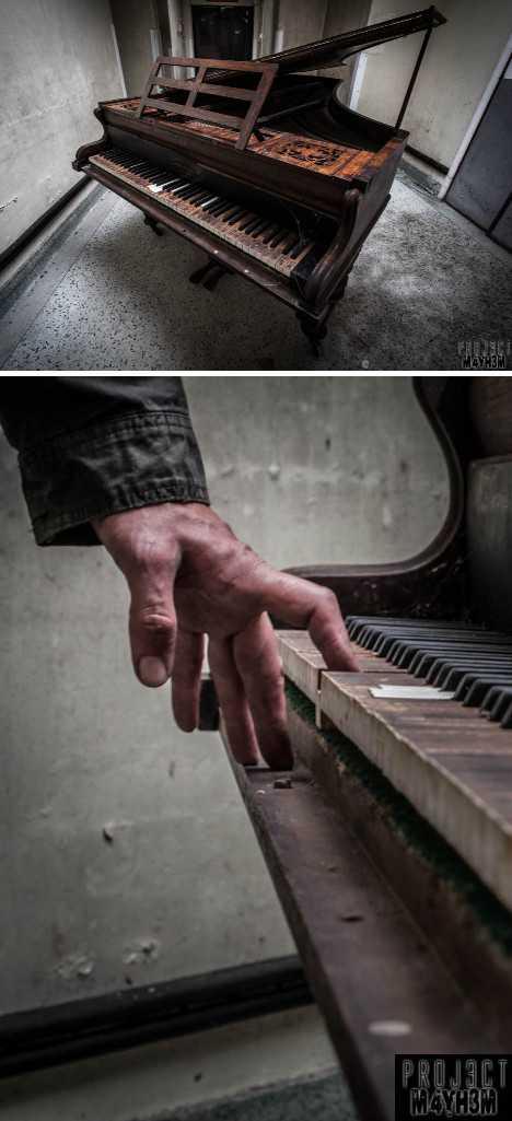 abandoned piano OM Asylum