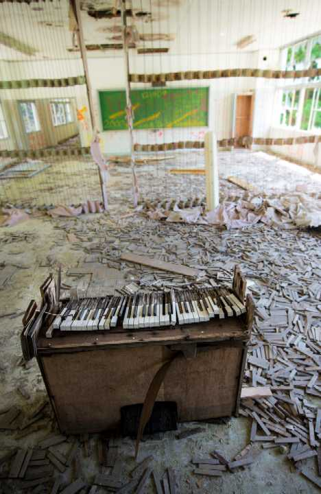 abandoned piano Japan school
