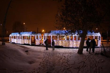 seasonal train photo shoot