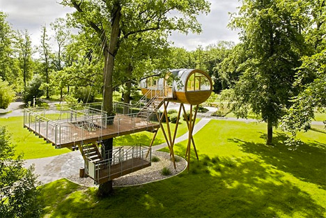 Baumhaus World of Living & Cabins in the Canopy: 13 Modern Tree Houses by Baumraum | Urbanist