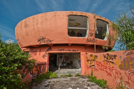 abandoned Florida UFO house