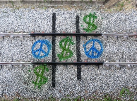 bordalo train tick tac toe