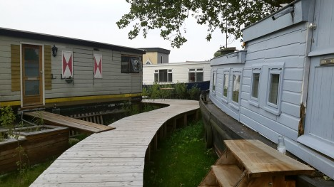 houseboats on dry land