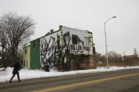 abandoned closed Detroit dollar store 2