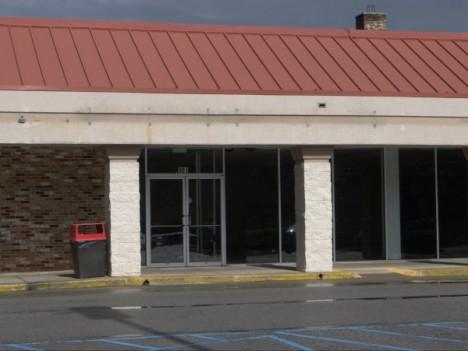 abandoned closed Dollar General Columbia dollar store 1b