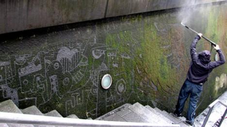 moss graffiti removal subtraction