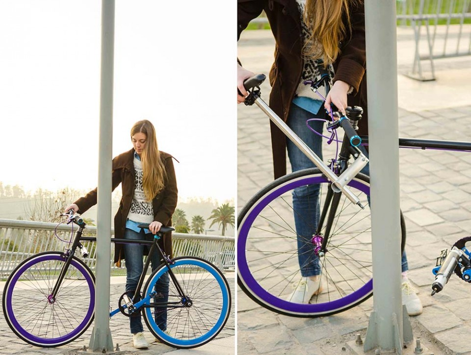 unstealable bicycle in action