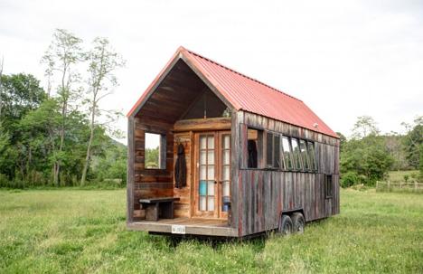 roaming homes 15 diy rvs converted buses tiny houses urbanist. Black Bedroom Furniture Sets. Home Design Ideas