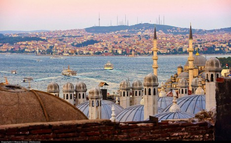 istanbul distant hills