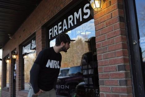 Riverview Gun Sales closed 3