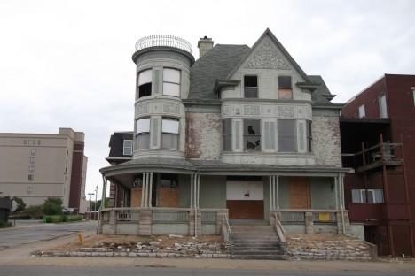 abandoned Soller-Baker Funeral Home 3