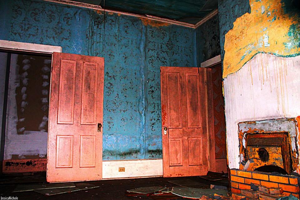 abandoned Ward's Funeral Home Opelika 2