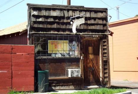 abandoned gun shop Klamath