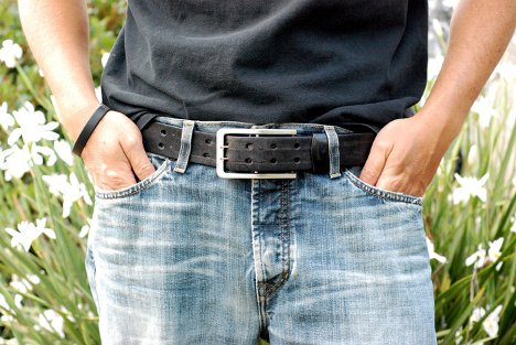 belt buckle phone charger 1