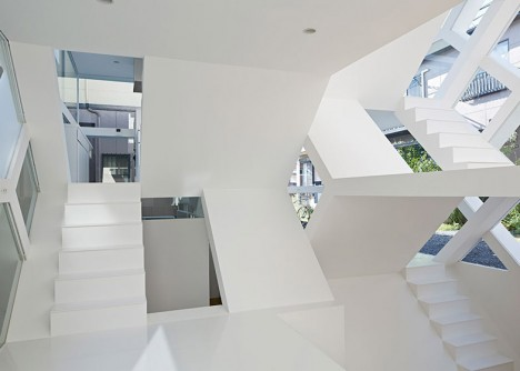 see through house design