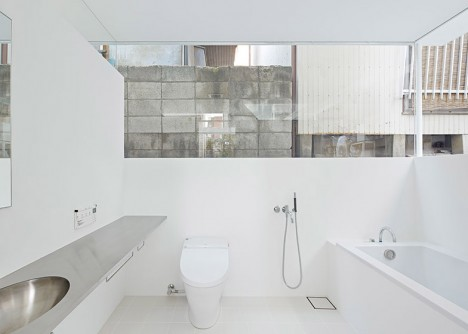 see through master bath