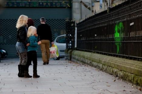 subtle street art lenticular fence 2