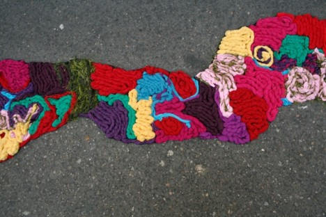 subtle street art yarn cracks 3