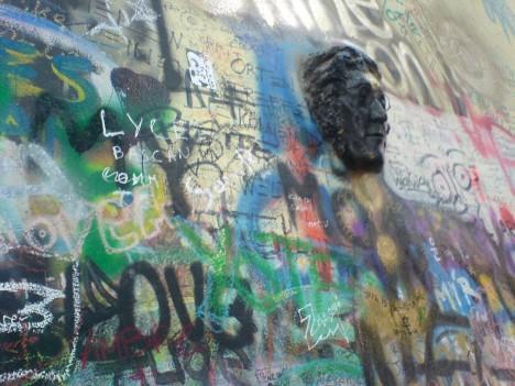 3d installation art head