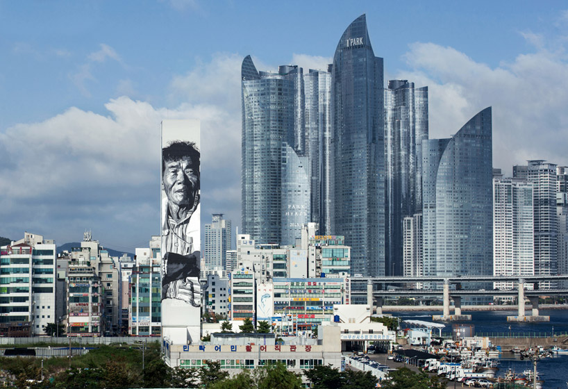 Large Murals Asia's Tallest 1