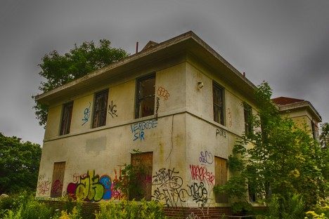 abandoned camp 30 graffiti