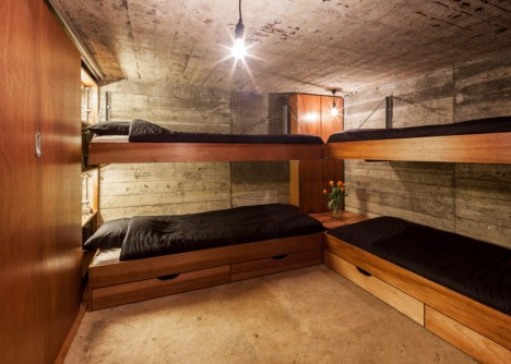 bunker house bunk beds