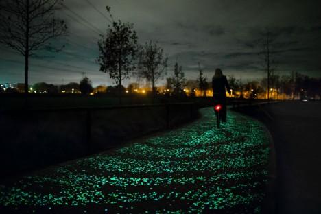 night cycling path image
