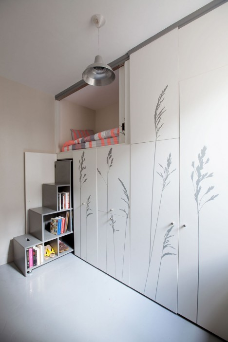 paris tiny wall bedroom