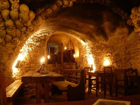 Amazing Restaurants Medieval Tavern 2