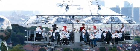 Amazing Restaurants dinner in the sky 3