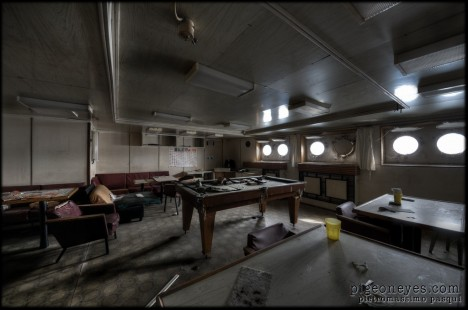 abandoned_pool_table_Russian_ship