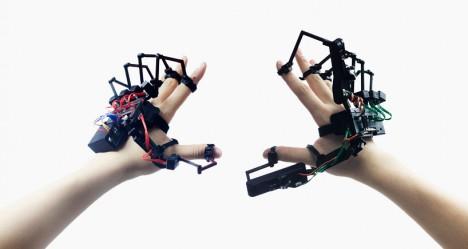 exoskeleton design dexta hands