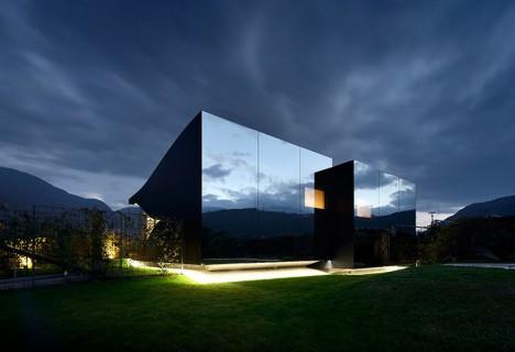 mirror buildings pichler 2